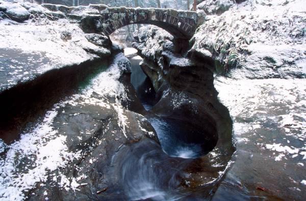 Hocking Hills winter devils btub[1]