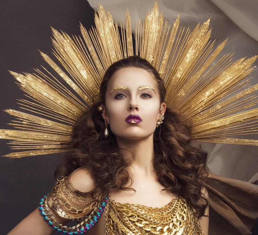 Hair and makeup artist: Daniel Farmer