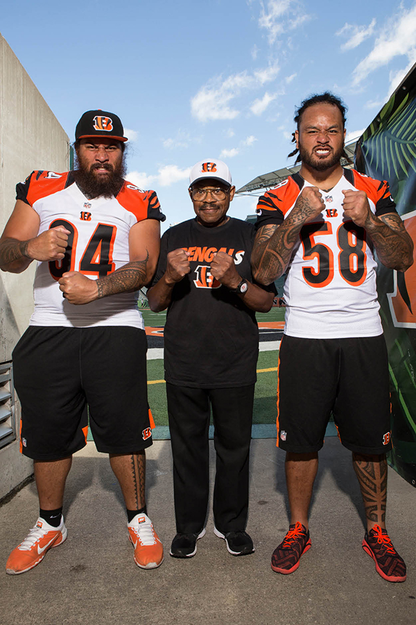 JB photographed with Bengals defensive lineman Domata Peko (left) and linebacker Rey Maualuga (right) at Paul Brown Stadium
