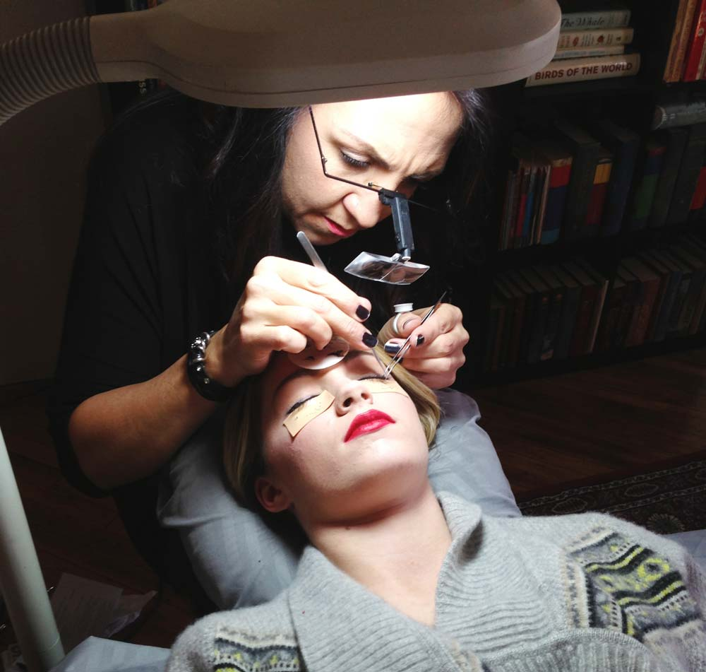 This is what it really happens when you get eyelash extensions, and it's not as traumatic as it looks. See the final results in the Winter 2016 issue of Cincinnati Wedding!