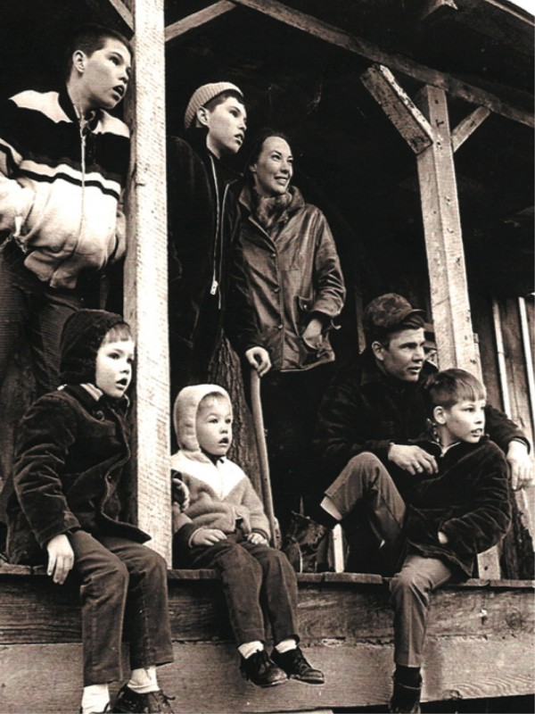 An early photo of the family at their Warren County farm