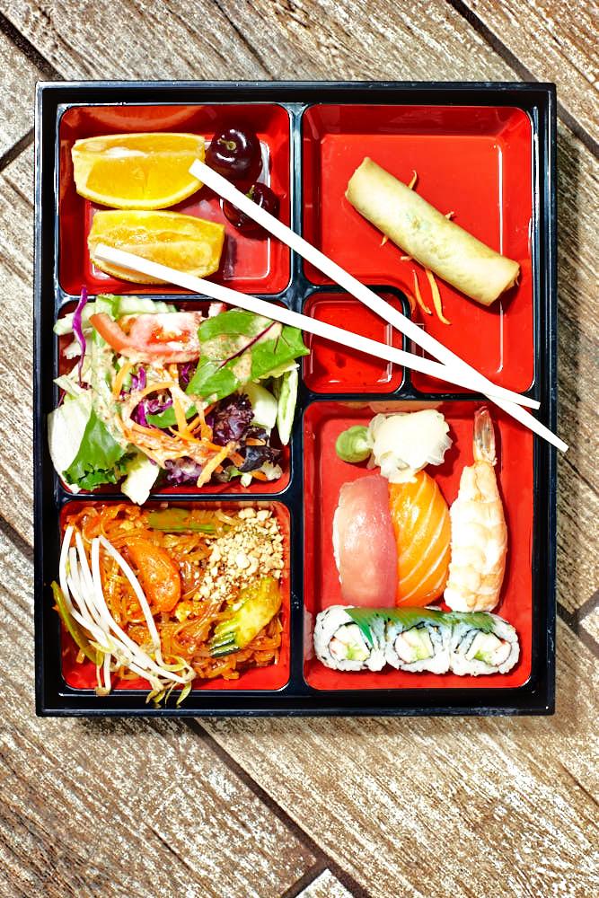 Khun Toke Lunch Box