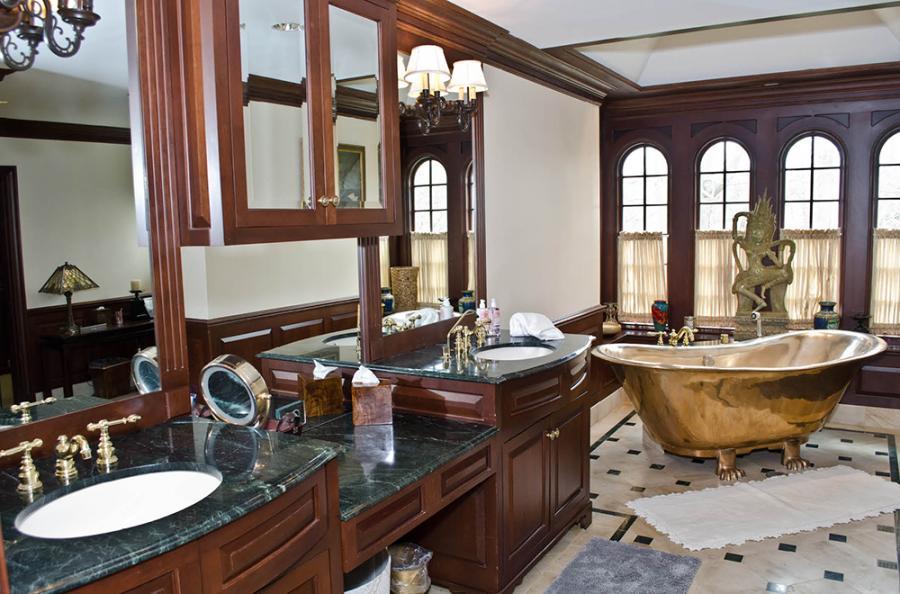 The bathtub to end all bathtubs.
