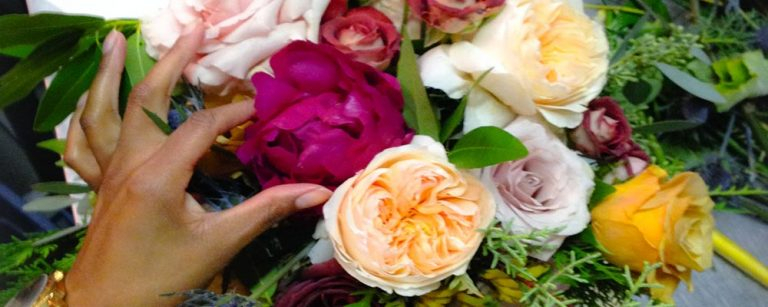 How To Create a Stunning Floral Centerpiece