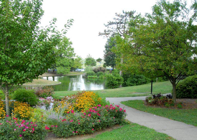 Top 5 Parks For A Springtime Picnic