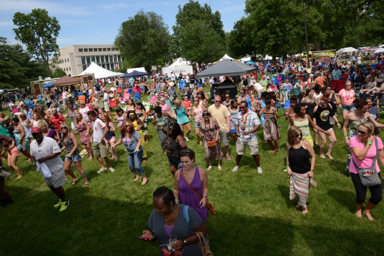 10,000 guests enjoy hundreds of Indiana wines at the 2014 Vintage Indiana Wine Festival