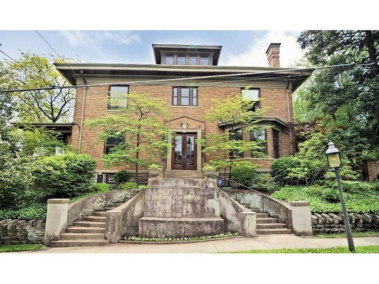 On The Market: Historic Grandeur In The Gaslight District
