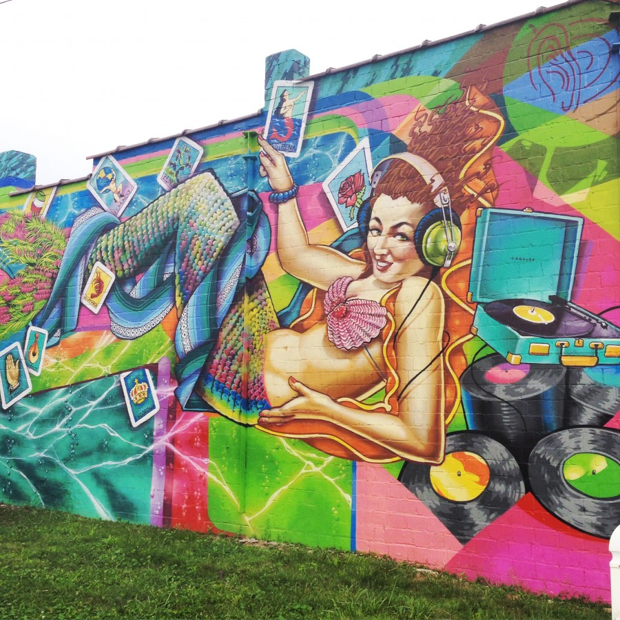 Mural on the side wall of Pleasant Ridge institution Everybody's Records
