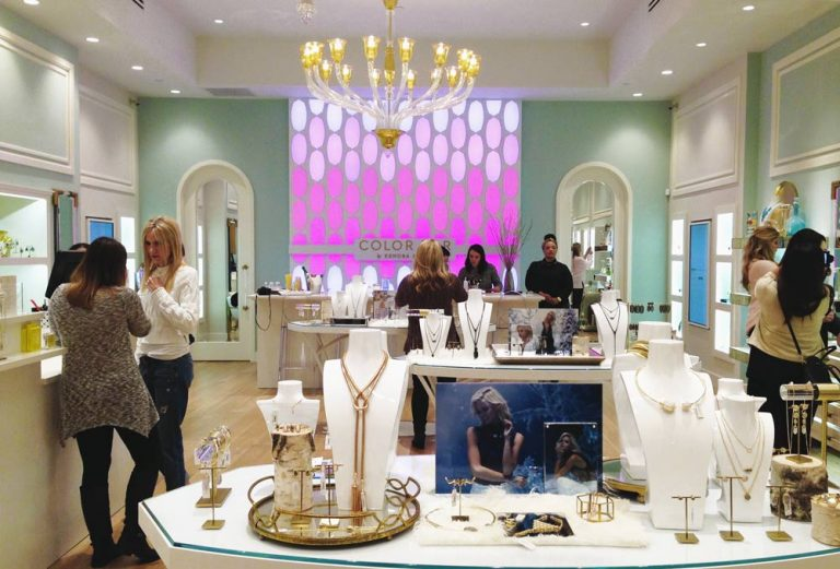 Make Your Own Custom Jewelry at Kendra Scott's Color Bar