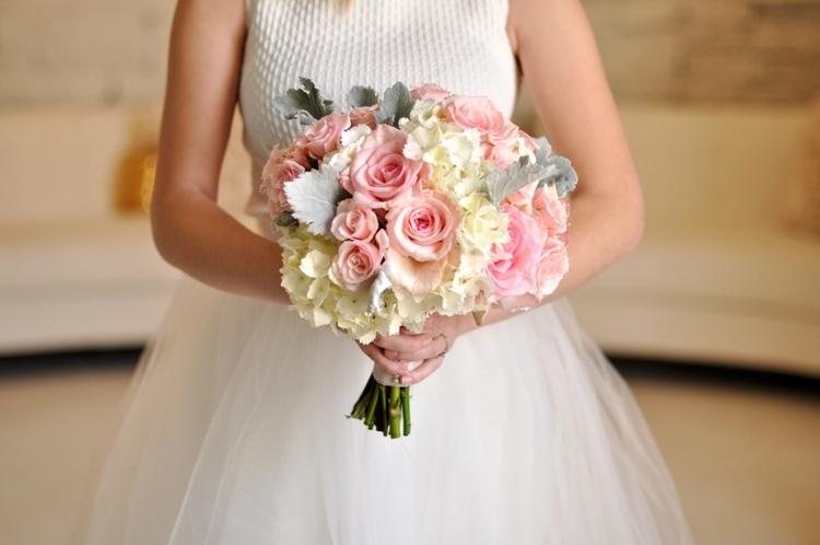 A Fraîche Take on Wedding Flowers